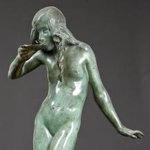 GIRL DRINKING FROM SHELL: FOUNTAIN