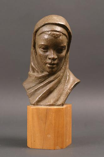 http://images.crsculpture.com/www_crsculpture_com/barthe_BLACK_MADONNA1.jpg