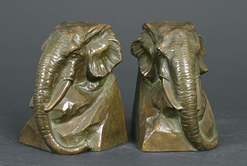 http://images.crsculpture.com/www_crsculpture_com/johnson_ELEPHANT_BOOKENDS_3391_a2.jpg