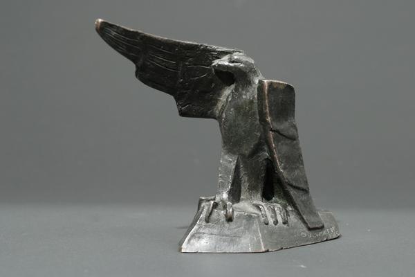 EAGLE, 1915 Bronze 5 3/8 x 6 3/4 x 2 1/2 inches Si...