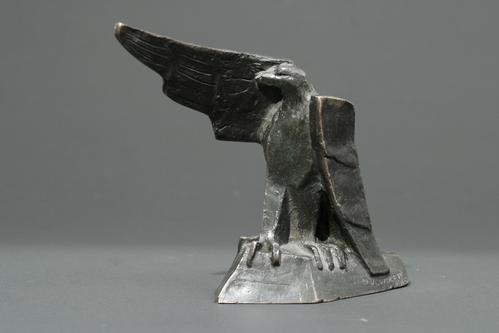 http://images.crsculpture.com/www_crsculpture_com/wolff_EAGLE_24.jpg